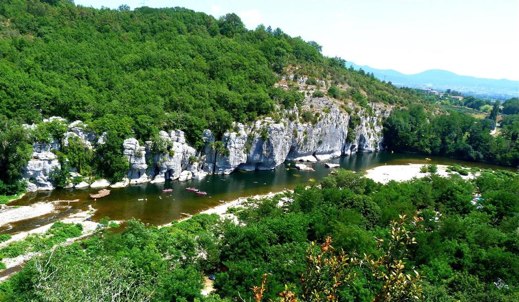 Camping Les Actinidias ***