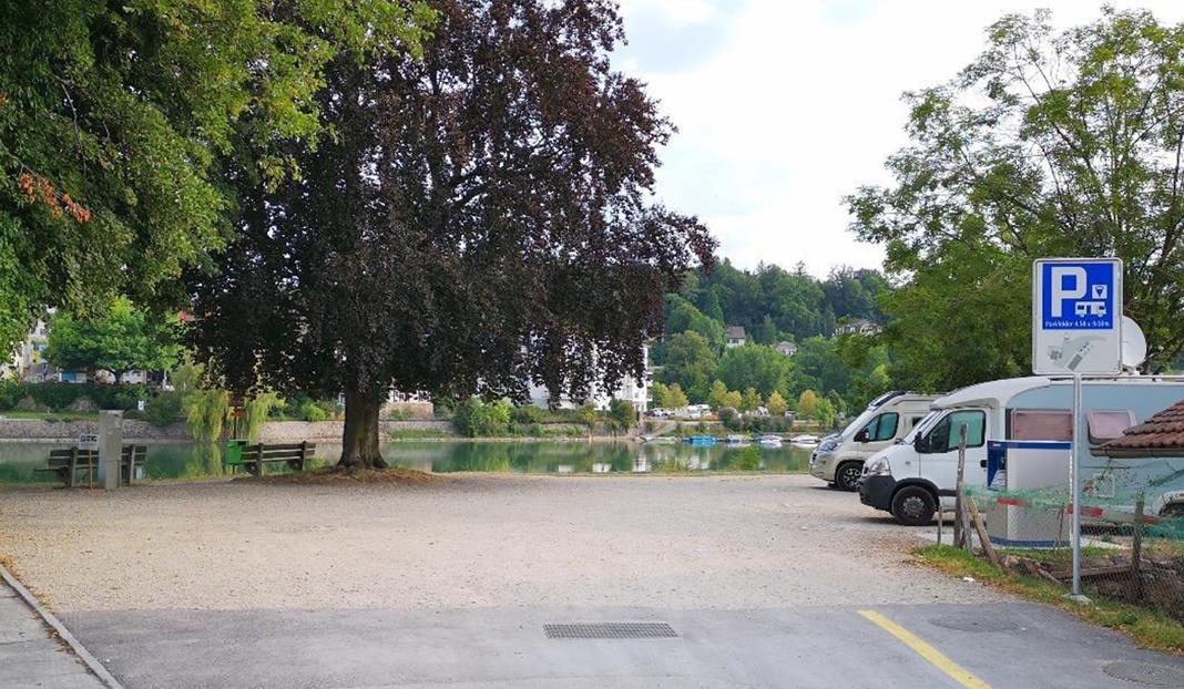 Wohnmobilstellplatz am Rhein