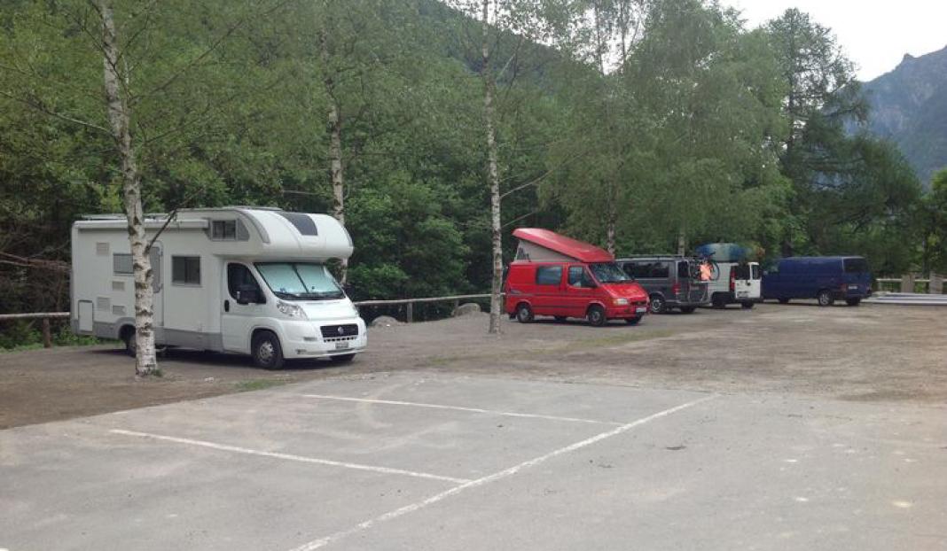 Camperstellplatz Brione Verzasca